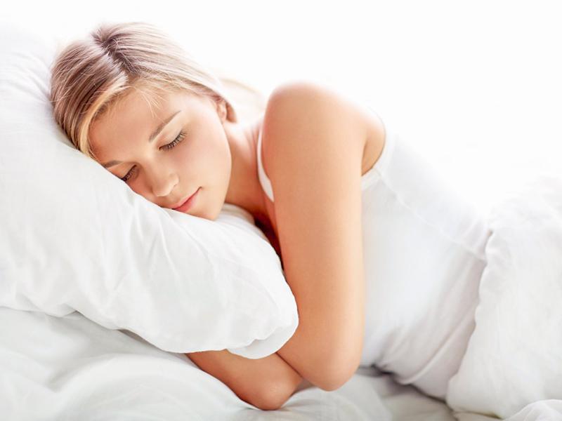Comment avoir de beaux cheveux même pendant le sommeil ?